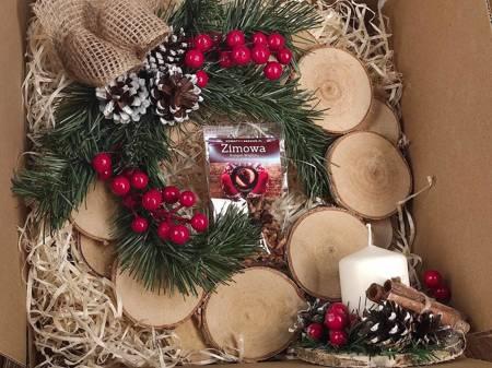 Prezent świąteczny Herbata Zimowa, WIanek i Stroik Drewniany